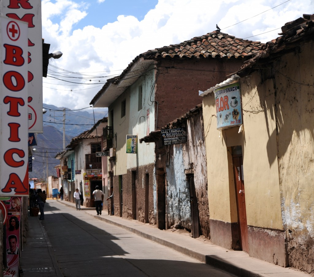 A typical street in Urubamba